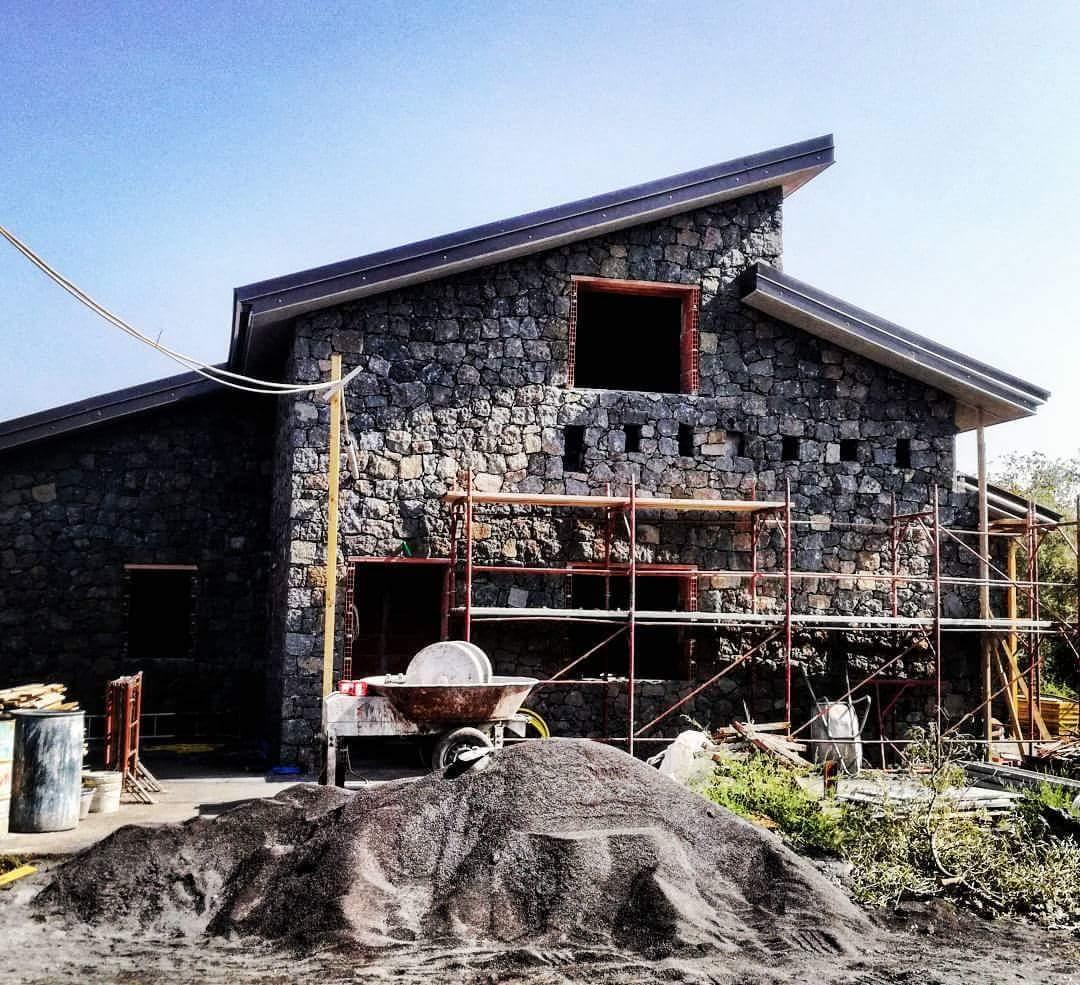 Top Casa, fabbricato moderno in area con vincolo paesaggistico  VU33